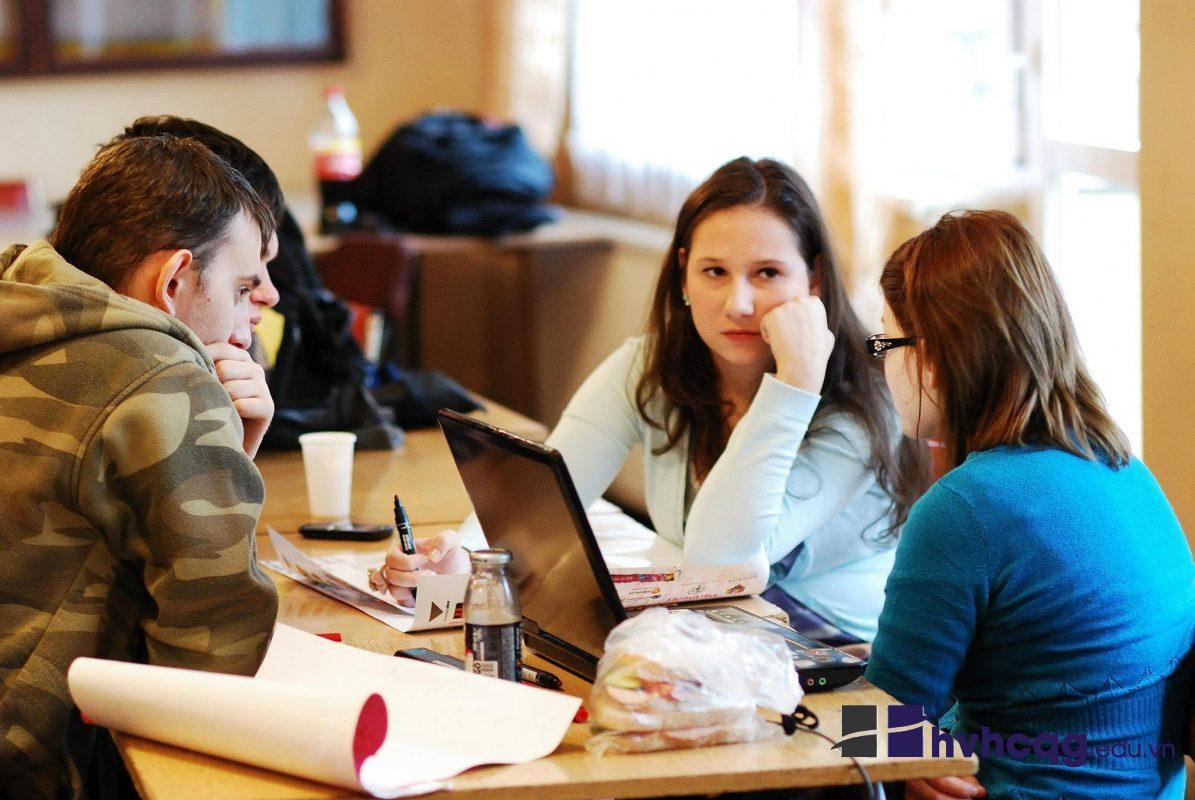 Sinh viên cần nhiều kỹ năng cần thiết để hoàn thiện bản thân