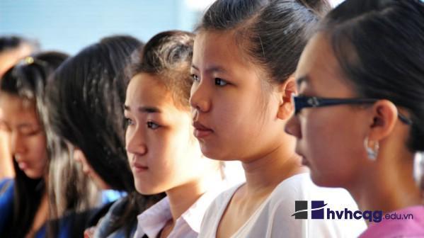 Nhiều sinh viên khá lo lắng khi bước vào kì học năm cuối.